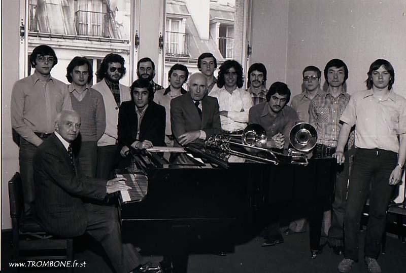 1978 : Philippe RENAULT / Guy BERRIER / Jean Christophe CHEVALLEY / Abbas DABIRDANESH / Philippe DULAUROY / Bernard DREUMONT / Gérard PICHAUREAU (professeur) / Daniel FLORENT / JOUHAUT / Jean Claude MORISSE / Christian BRIEZ / Jean-Luc SENE / Yasuhiro YODEN / Jean-Pierre GUILLOUET / Camille MERLIN (accompagnateur)