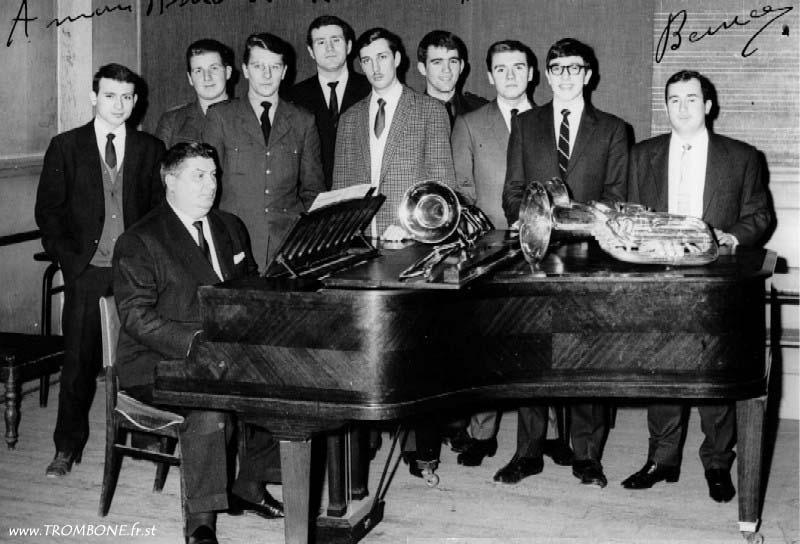1965 : Michel SOULIE (trombone basse) / Léopold DESMEULE / Michel DEBRUGES / Charles ORIEUX (trombone basse) / Alain SANTER (trombone basse) / Ivan DUBOS / Guy CONDETTE (trombone basse) / Daniel LANDREAT / René FONT (trombone basse) / Paul BERNARD (professeur)