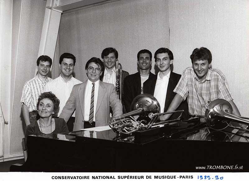1989-1990 : Franck POITRINEAU / Vincent DEBES / Claude CHEVAILLIER (professeur) / Yves BAUER / Pierre ROUSSET / Stéphane LOYER / Alain RIGOLLET / Mme HELLONIN (accompagnatrice)
