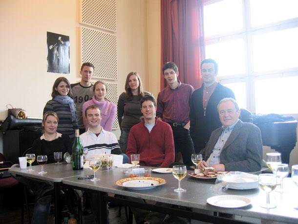 2004-2005 (Paris) : Françoise MAESTERLIN / Peguy FAVOREAU / Nicolas MOUTIER / Etienne LAMATELLE / Mathilde COMOY / Ingrid HEIDE / Florent DIDIER / Guillaume THIBOULT / Jean RAFFARD (assistant) / Gilles MILLIERE (professeur)